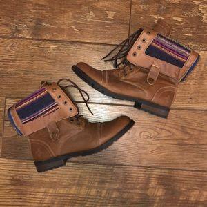 Brown Adjustable boots